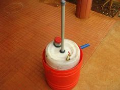 Mini Bio-gas Plant Using Food Waste, Decomposable Organic Material and Kitchen Waste Biogas Generator, Diy Generator, Home Tools, Diy Tools, Kitchen Waste, Energy Projects, Water Heating, Sustainable Energy, Food Waste