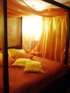 romantic sexy #bedding, and all around sensual bed - www.DavisWorld.com