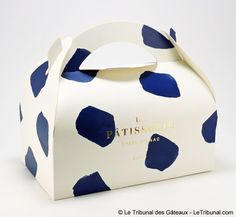 Arty and elegant cake packaging for the celebrity Parisian chef Cyril Lignac.