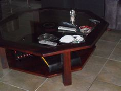 20131 $399 or best offer - 6 sided coffee table with glass insert - - must pick up in sarchi costa rica only
