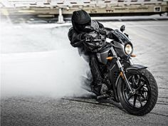 Victory+Octane+-+a+marca+define+este+novo+modelo+como+a+moto+americana+do+século+XXI