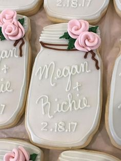 The Most Adorable Wedding & Engagement Cookies For Your Sweet Tooth - Wilkie: If you're using mason jars as part of your wedding day decor, hand out mason jar cookies as favors! Cut Out Cookies, Iced Cookies, Royal Icing Cookies, Cookies Et Biscuits, Sugar Cookies, Cross Cookies, Owl Cookies, Fancy Cookies, Wedding Shower Cookies