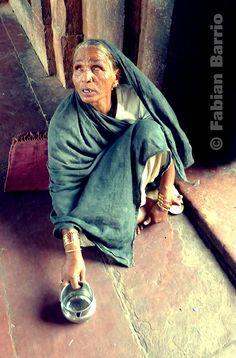 Mendigo en Agra, por Fabián Barrio