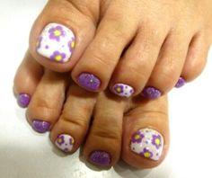 Toes nail art. #love #purple #flowers