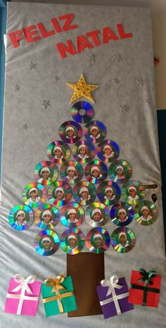 Wanna know the best way to cheer up the scholars in your college? Thinking about Christmas classroom decor? Look no additional 'coz you might be spot on. Generally colleges have a nasty rep amongst youngsters. Christmas Classroom Door, Christmas Door Decorations, Preschool Christmas, Christmas Crafts For Kids, Christmas Activities, Christmas Projects, Kids Christmas, Holiday Crafts, Christmas Ornaments