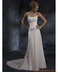 Elegante schlichte Brautmode aus Chiffon Perlen und Applikationen verziertes Korsett und Rock mit Schleppe