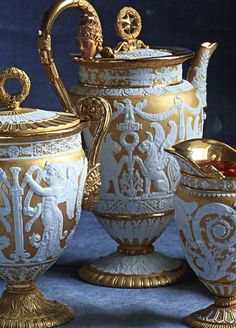 Wedgewood  at its best blue and gold how marvelous it would look on any antique or vintage table