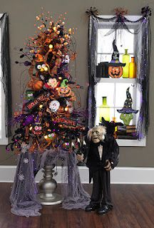 Halloween tree!! I was so excited about my tree but I just found out I left it back home in Texas :o( Moving Fail.