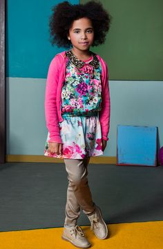 Girls we like flowers! With this dress she will shine like the sun all winter long!