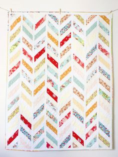 The Joy Cottage: Song's Quilt + Pattern  Things to make with a jelly roll