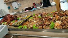 Zdrave veci ,koleno,grilovane kura,pecene prasa,rebierka