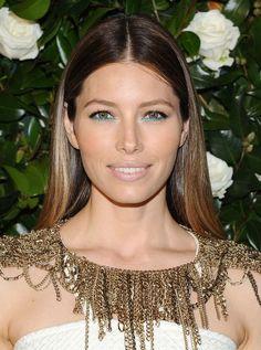 Jessica Biel's turquoise eyeliner--love!