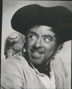 Robert Newton, perhaps best known for playing villains such as Long John Silver and Fagin, served in the Royal Navy. Best Pirate Face Ever! Robert Newton, Pirate Face, Long John Silver, Keeping Up Appearances, Celebrity Stars, Cinema Posters, Action Film, Treasure Island, Silver Age
