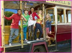 """http://www.watch-tvseries.net/series369/ANT-Farm/season-02-episode-01-creative-consultANT <--Ep link to """"creative consultant"""""""
