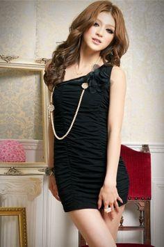 Elegant Single-shoulder Flower Wrinkle Full Coverage Dress Black
