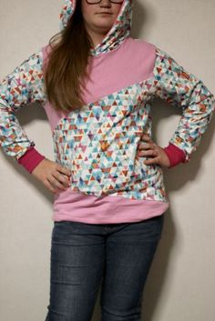Sweatshirt, Sewing, Sweaters, Style, Fashion, Cool Shirts, Sewing For Kids, Princess, Hoodie