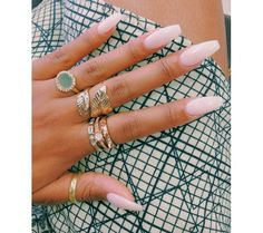 Rings and nails Pinterest: @ cheyennekennedy