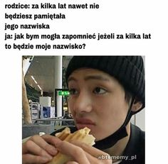 """""""Taehyung be careful! """"What the hell is that . """"Run Taehyung runnnnn . ------ """"Please don't eat me,"""" Taehyung. Very Funny Memes, Wtf Funny, Asian Meme, Kpop, I Love Bts, Bts Photo, Reaction Pictures, Funny Faces, Bts Memes"""