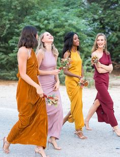 Fall bridesmaids dresses- Boho wedding inspiration on GWS. Colorful spice-inspired color palette macrame mismatched bridesmaids dresses eclectic decor moroccan lanterns hanging light fixtures lounge spaces and bohemian decor. Mismatched Bridesmaid Dresses, Bridesmaid Dress Colors, Wedding Bridesmaid Dresses, Boho Wedding Dress, Boho Dress, Yellow Bridesmaids, Wedding Attire, Bohemian Wedding Inspiration, Bohemian Decor