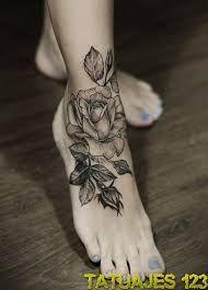 Resultado de imagen para tatuajes de rosas rojas en el brazo