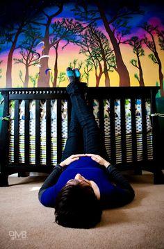 @Casey Crocker  Maternity pictures in a beautiful nursery!