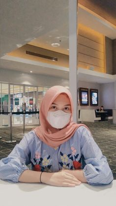 Angle Foto, Hijab Chic, Beauty Full Girl, Google Drive, Qoutes, Ootd, Girls, Outfits, Fashion