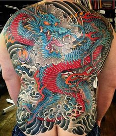 Japanese back tattoo by @mattbeckerich. #japaneseink #japanesetattoo #irezumi #tebori #colortattoo #colorfultattoo #cooltattoo #largetattoo #backtattoo #dragontattoo #firetattoo #wavetattoo #naturetattoo