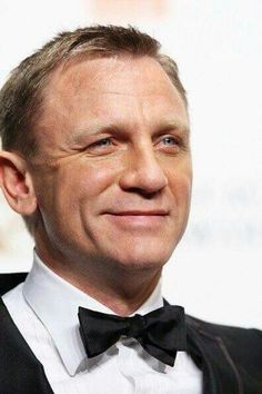Daniel Craig. Love his smile ❤️❤️