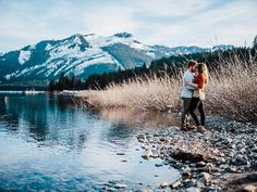 Heading out to photograph Bailey & Austin's wedding today in Telluride. So far, I have to say this place might be my favorite mountain town I've been to. Here's a little frame from their engagement session in Washington.  #adventureengagementshoot #gfx50s #mastinlabs #telluride #telluridewedding #ryanflynnphotography #youngsinlove #foreveryoungs  Instagram Profile: @ryanflynnphoto  Source/Origem: https://www.instagram.com/p/BVKyorEltPl/