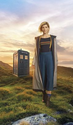 """First photo released of Jodie Whittaker's new 'Doctor Who' look. The BBC has posted on social media the first official photo of the first female """"Doctor Who"""" lead. Gary Oldman, Peter Capaldi, Matt Smith, Linkin Park, Tardis, Jennifer Aniston, Doctor Who Season 11, First Female Doctor, Doctor Who Outfits"""