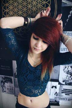 ll emo girl ll Nu Goth, Punk, Cute Emo Girls, Cute Scene Girls, Scene Kids, Goth Make Up, Red Scene Hair, Style Rock, Emo Hair