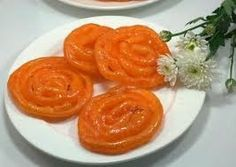 Jalebi is famous sweets in India. But you can make at home and enjoy the delicious taste of homemade Jalebi. Here is the step of How to Make Yummy jalebi? Indian Desserts, Indian Sweets, Sweets Online, Eggless Desserts, Indian Street Food, Desi Food, Sweet Recipes, The Best, Cooking Recipes