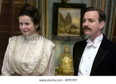 'Miss Potter' starring Emily Watson as Millie Warne and Ewan McGregor as Norman Warne English Actresses, Actors & Actresses, Love Movie, I Movie, Hilary And Jackie, Running To Stand Still, Emily Watson, Renee Zellweger, Anonymous