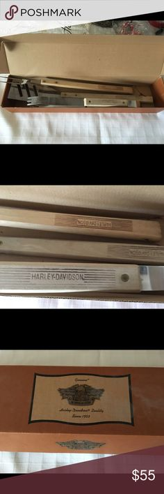Harley-Davidson BBQ Tools Harley-Davidson BBQ Tools set includes a spatula, a large fork, and a hot dog grabber. I will also include an extra spatula. This set has never been used. NWOT. Box included. Harley-Davidson Other