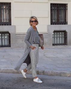 Best Fashion Tips For Women Over 60 - Fashion Trends Mature Fashion, Fashion For Women Over 40, 50 Fashion, Look Fashion, Fashion Outfits, Fashion Trends, Fashion Women, Cheap Fashion, Fashion Fall