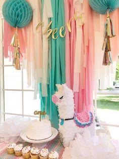 Llama Birthday, 1st Birthday Girls, Diy Birthday, First Birthday Parties, First Birthdays, Girl Birthday Party Themes, Birthday Ideas, Birthday Backdrop, Birthday Party Decorations
