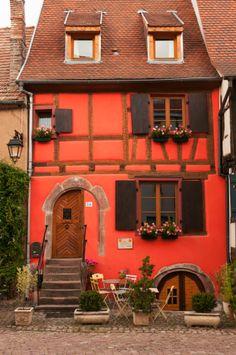 Kaysersberg, Haut-Rhin http://www.tourisme.fr/512/office-de-tourisme-kaysersberg.htm
