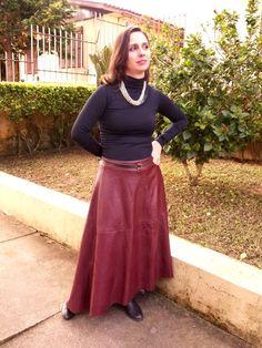 Blog Femina - Modéstia e Elegância: Saia de couro vinho da SheIn