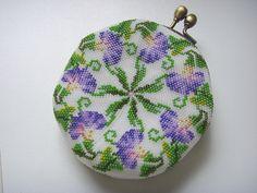 Beaded Purses, Beaded Bags, Knit Or Crochet, Bead Crochet, Crochet Bags, Beading Tutorials, Beading Patterns, Embroidered Bag, Beautiful Handbags