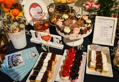 Candy bar Catering, Deserts, Table Settings, Candy, Bar, Sweet, Toffee, Table Top Decorations, Sweets