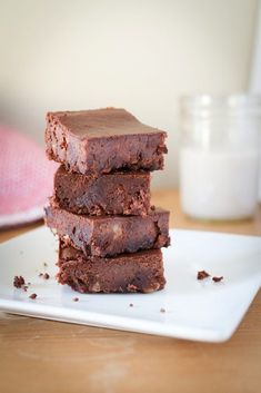 Fudgy Maple Flourless Black Bean Brownies //These are the best flourless black bean brownies! No one will be able to tell that they're made with beans and natural maple syrup. Healthy Baking, Healthy Desserts, Dessert Recipes, Healthy Recipes, Healthy Brownies, Baby Recipes, Skinny Recipes, Free Recipes, Black Bean Brownies