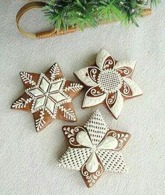 Christmas Biscuits, Christmas Cookies, Christmas Ornaments, Biscuit Cookies, Cupcake Cookies, Ginger Cookies, Sugar Cookies, Royal Icing Sugar, Snowflake Cookies