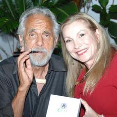 Can Cannabis Cure Cancer? – Tommy Chong Interview Exclusive – Cheryl Shuman