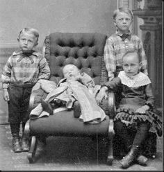 Little boys with dead baby - Post mortem pic