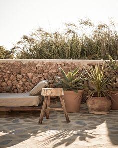Amazing island getaway with rustic-chic styling in Ibiza Banco Exterior, Exterior Design, Outdoor Spaces, Outdoor Living, Outdoor Decor, Rustic Outdoor, Casa Top, Living Haus, Terrasse Design