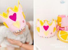 1. Geburtstag   Silvia Hihntermayer   candid moments fotografie  #ersterGeburtstag #Kindergeburtstag #birthday #firstbirthday #zuckerlrosa #zitronengelb #Wolke7 #Wölkchen #Wolken #yellow #rose #blush #geburtstaskrone #krone #buntique