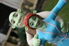Shrek & Fiona strike a pose - Cake by Suzanne Readman - Cakin' Faerie