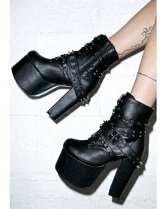 Demonia Tormented Boots do whips 'n chains excite ya, babe? Get empowered in these ultra sexy vegan leather boots,… Goth Boots, Sexy Boots, Black Boots, Platform Boots, Platform Sneakers, Cute Shoes, Me Too Shoes, Knee High Boots, Ankle Boots