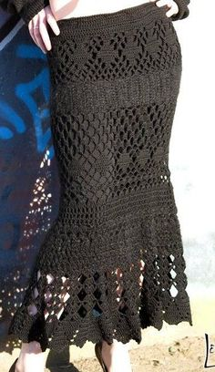 Fabulous Crochet a Little Black Crochet Dress Ideas. Georgeous Crochet a Little Black Crochet Dress Ideas. Crochet Skirt Pattern, Crochet Skirts, Crochet Clothes, Crochet Patterns, Skirt Patterns, Tutorial Crochet, Coat Patterns, Blouse Patterns, Sewing Patterns