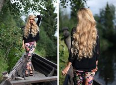 Lovely long wavy blonde hair